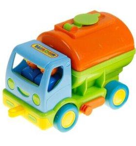 Новый мой первый автомобиль с цистерной