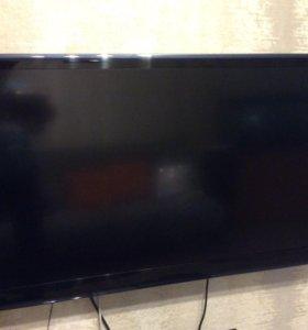 Телевизор PHILIPS 42 дюйма