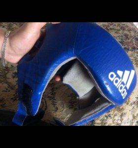 Боксёрский шлем от Adidas