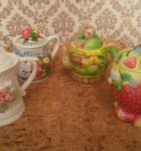 Коллекция заварных чайничков.