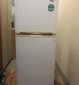 Продаётся холодильник LG