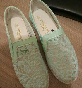 Givenchy обувь новые- 37 р
