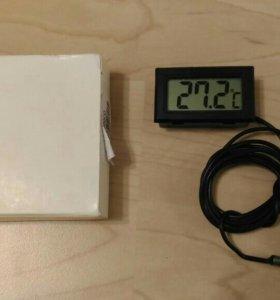Цифровой LCD термометр с выносным датчиком.