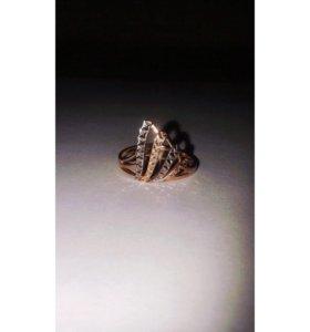 Золотое кольцо 585 пробы 19 размер