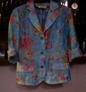 Голубой тонкий пиджак р/р46+