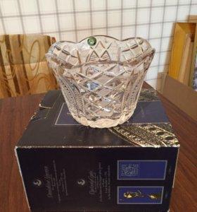 Новая хрустальная ваза