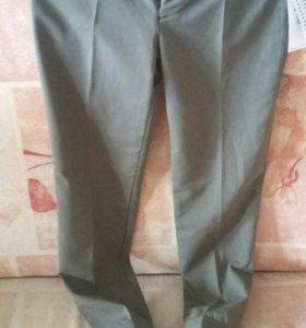 Продаю новые брюки 37р