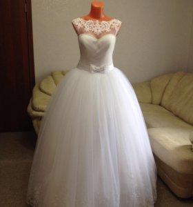Новые фабричные свадебные платья