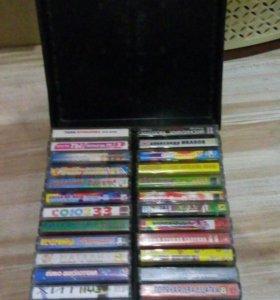 Кейс с аудио кассетами