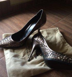 Женские туфли Burberry