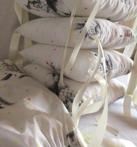 Бортики в кроватку зайцы