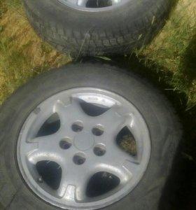 Продам колёса 205/70 R15 с дисками.