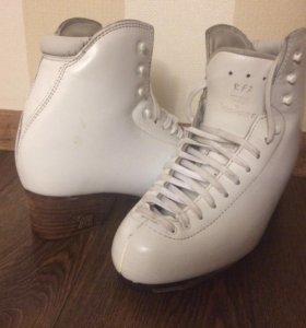 Ботинки для фигурного катания Risport RF3 250