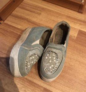 Обувь р35