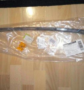 96547128 лачетти хэтч накладка решетки радиатора