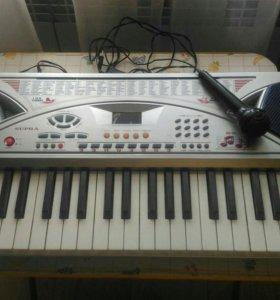 Синтезатор в отличном состоянии