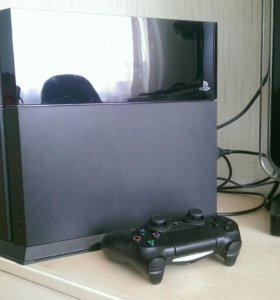 PlayStation 4 500gb + 3 игры