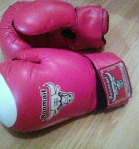 Перчатки боксёрские детские.
