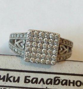 Очень красивое колечко серебро 925 пробы