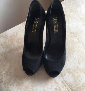 Продам туфли LORIBLU