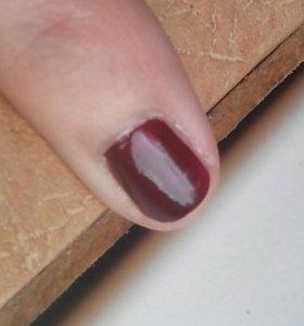 Нанесение лака на ногти (маникюр, педикюр)
