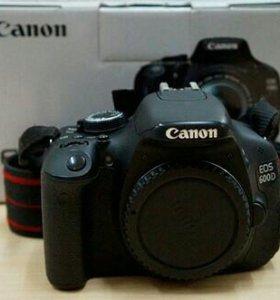 Canon 600D +...