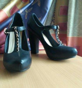 Туфли на Т-ремешке