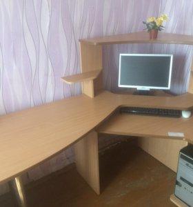 Компьютерный стол.продам срочно
