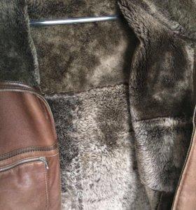 Продам мужскую кожаную куртку с натуральным мехом