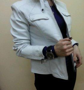 Куртка женскся