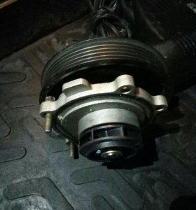 Помпа, водяной насос Opel Astra h