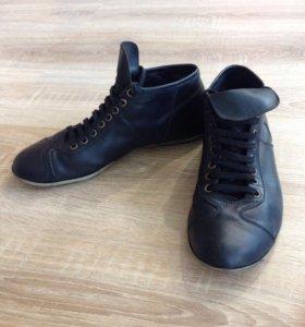 Мужские чёрные кожаные ботинки / полуботинки
