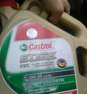 Продам мотрное масло Castrol 0w40