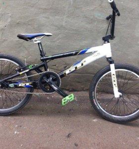Велосипед BMX GT