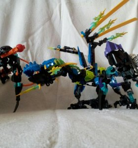 Коллекция роботов конструкторов.