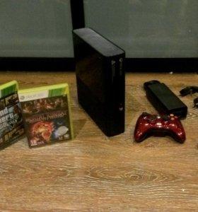 Xbox 360e 500gb, 2 геймпада