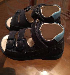 Туфли ( сандали )