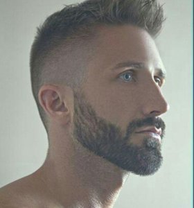 Стрижки,корекция бороды