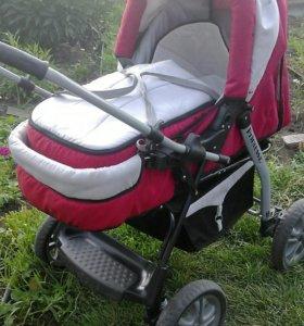 Детская коляска-трансформер.