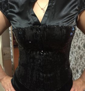 Блузка с пайетками Размер М