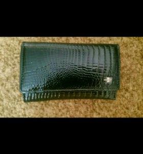 Чёрный элегантный кошелёк