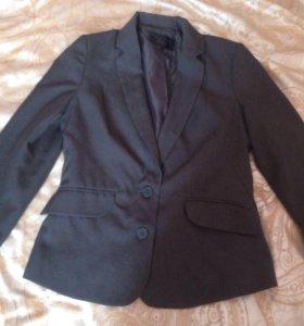 Пиджак фирменный STRADIVARIUS