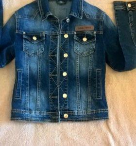 Куртка джинсовая на 42-44размер