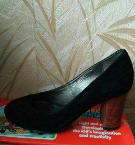 Туфли новые, замшевые р.36, обмен