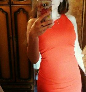Платье ярко-оранжевое