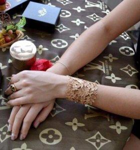 Изысканный браслет-манжета