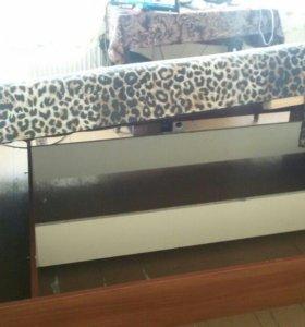 Угловой шкаф купе и двух спальная кровать
