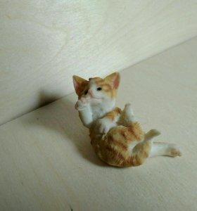 Статуэтка рыжий кот