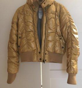 Куртка пуховик escada оригинал L