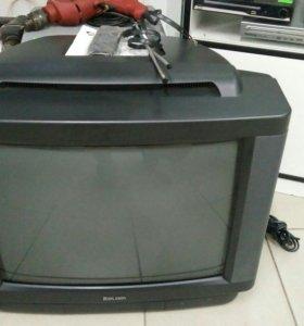 Телевизор Rolsen с пультом, антенной и документами